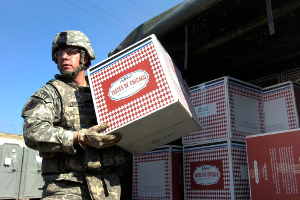 Lou Malnati's pizzas delivered to soldiers overseas
